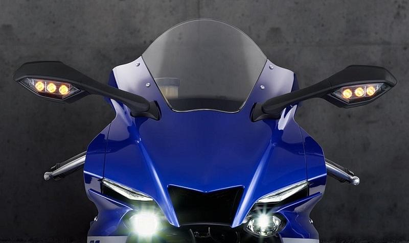 Spesifikasi Yamaha YZF R1M 001