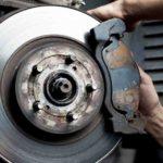 9 Hal penyebab rem mobil bunyi dan solusinya